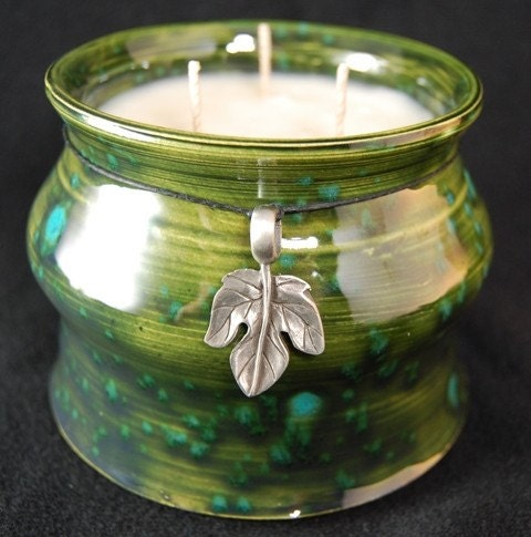 Soy Candle - Handcrafted Ceramic - Green Clover and Aloe Scented