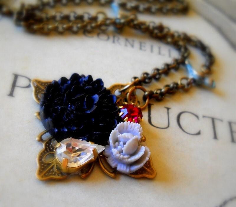 Garden cluster necklace