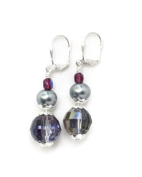 Earrings pearl dangle purple silver - LarisJewelryDesigns