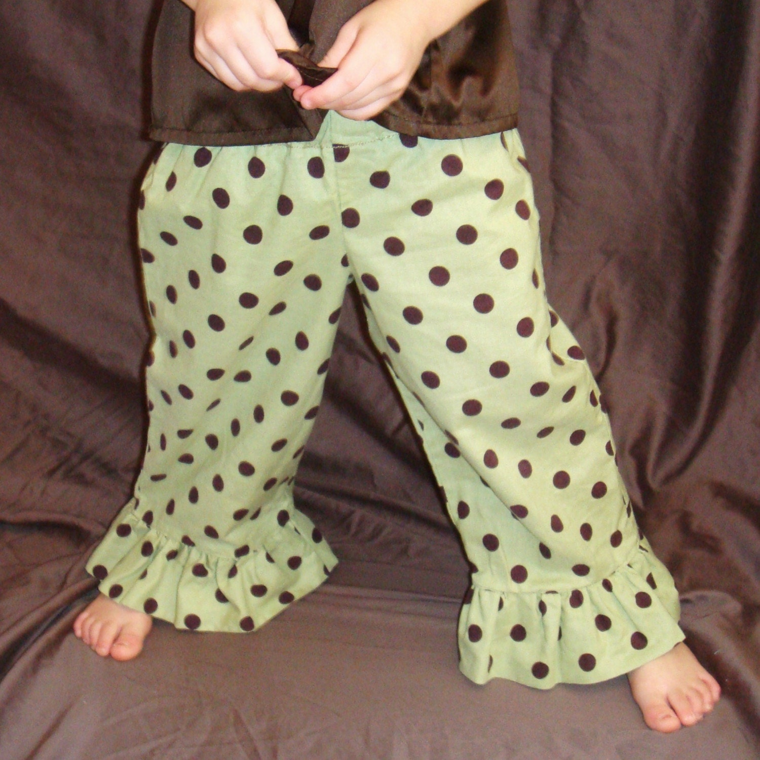 Polka Dot Ruffle Pants...Sizes...6m,12m, 18m, 2T, 3T, 4T, 5T, 6