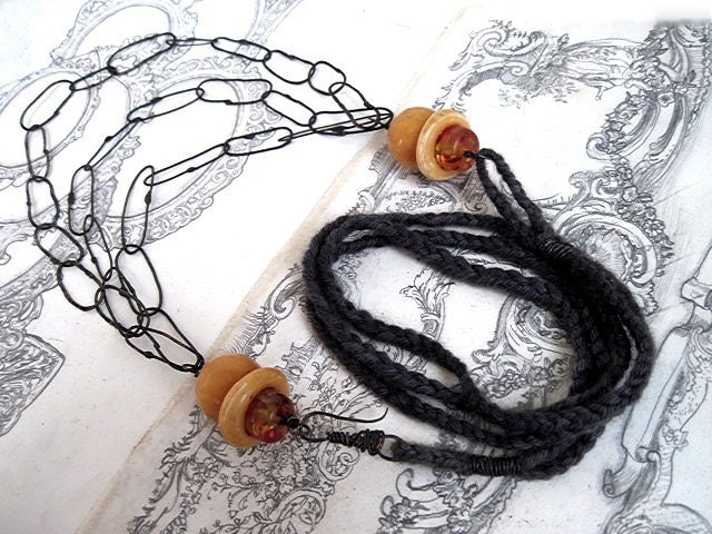 Synesthetes. Wool and Soldered Copper Links Necklace