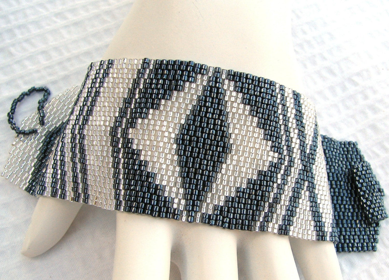 Asymmetrical Symmetry Peyote Cuff (2104) EtsyFreeShipping