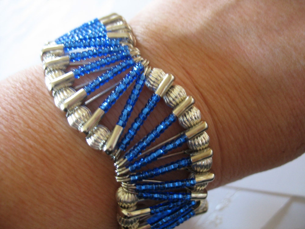 beaded safety pin bracelet wave design in royal by gussiegurl