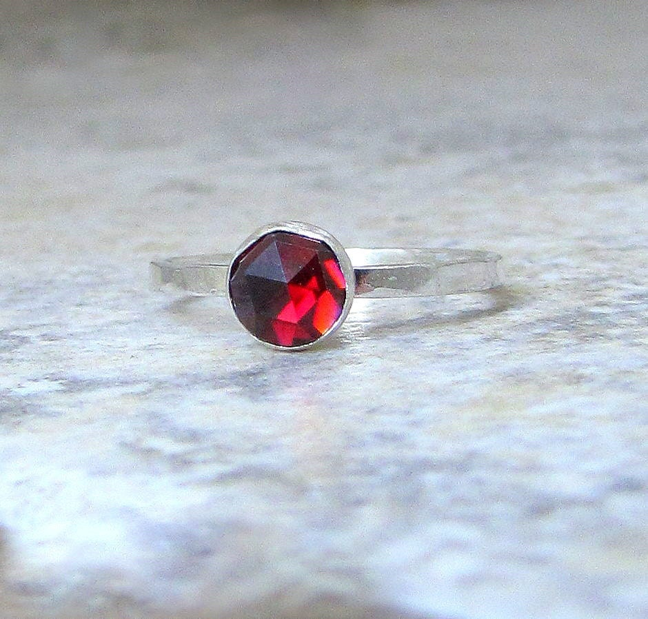 Red Garnet Ring Silver Rose Cut Faceted