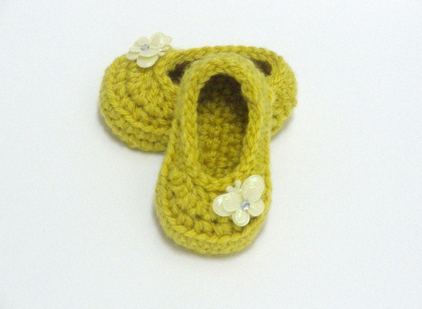 How to Crochet Toddler Slippers | eHow.com