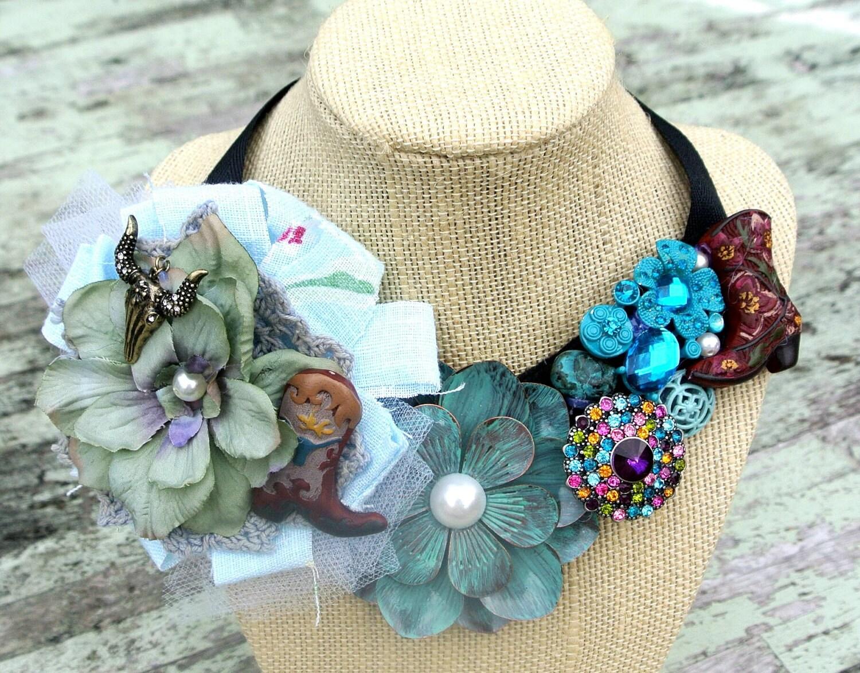 Страна Chic Биб ожерелье Cowgirl Glam заявление ожерелья Vintage брошь Огромные Полукомбинезон ожерелье пляжа синий женские ювелирные изделия