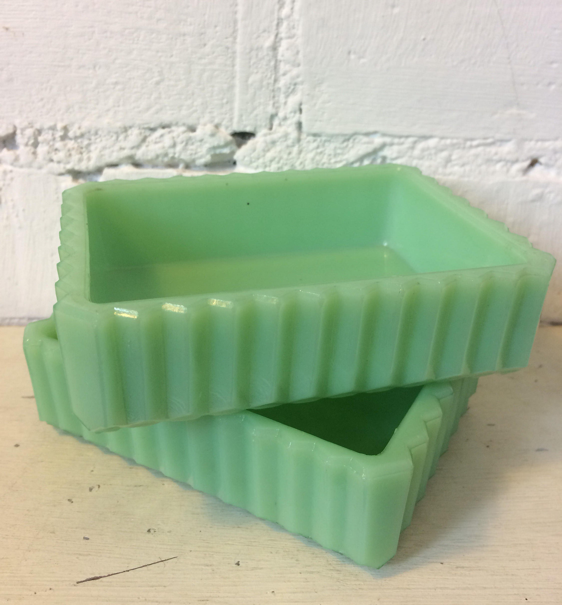 Chunky Jadeite Milk Green Art Deco Glass Ring  Jewellery  Soap  Sweet Tray Dish