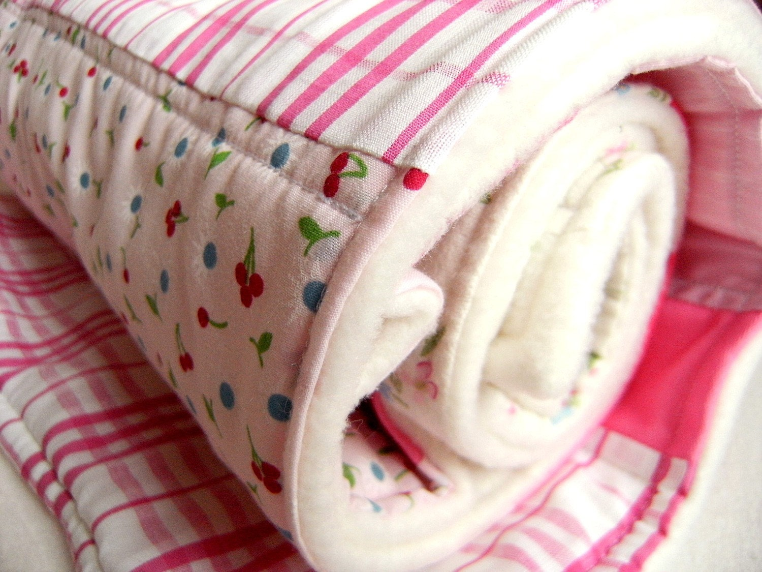 FREE WORLDWIDE SHIPPING Baby and Toddler Cuddly Blanket in Pink