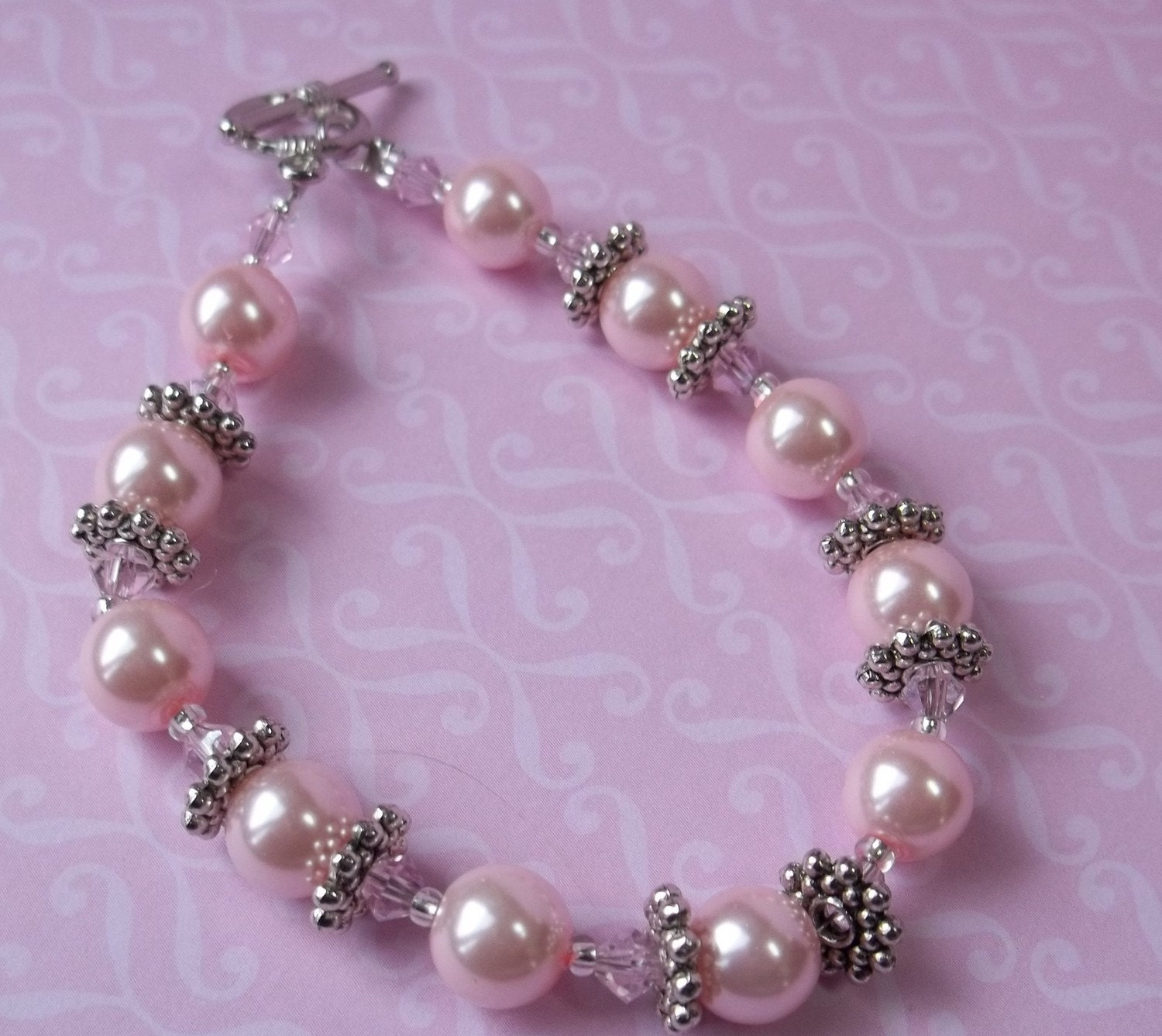 Pink and Chic Pearl Bracelet