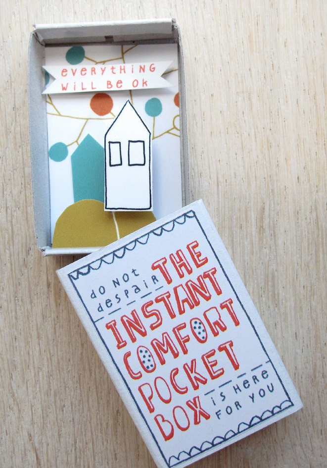 The Instant Comfort Pocket Box - House and apple tree