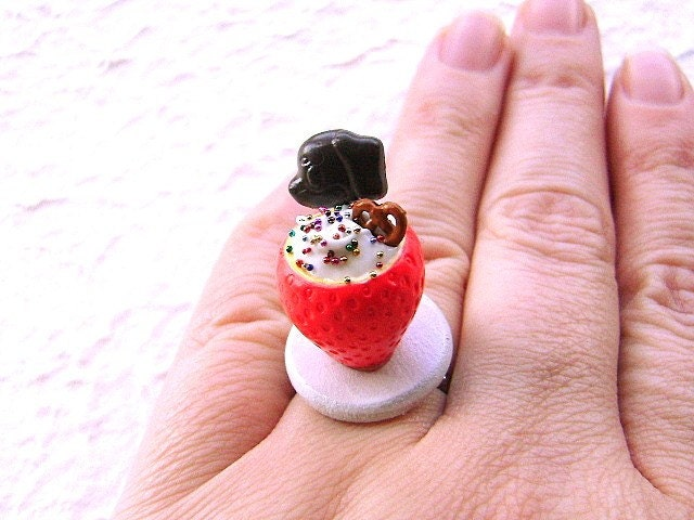 Fun Strawberry Vanilla Mousse    Ring