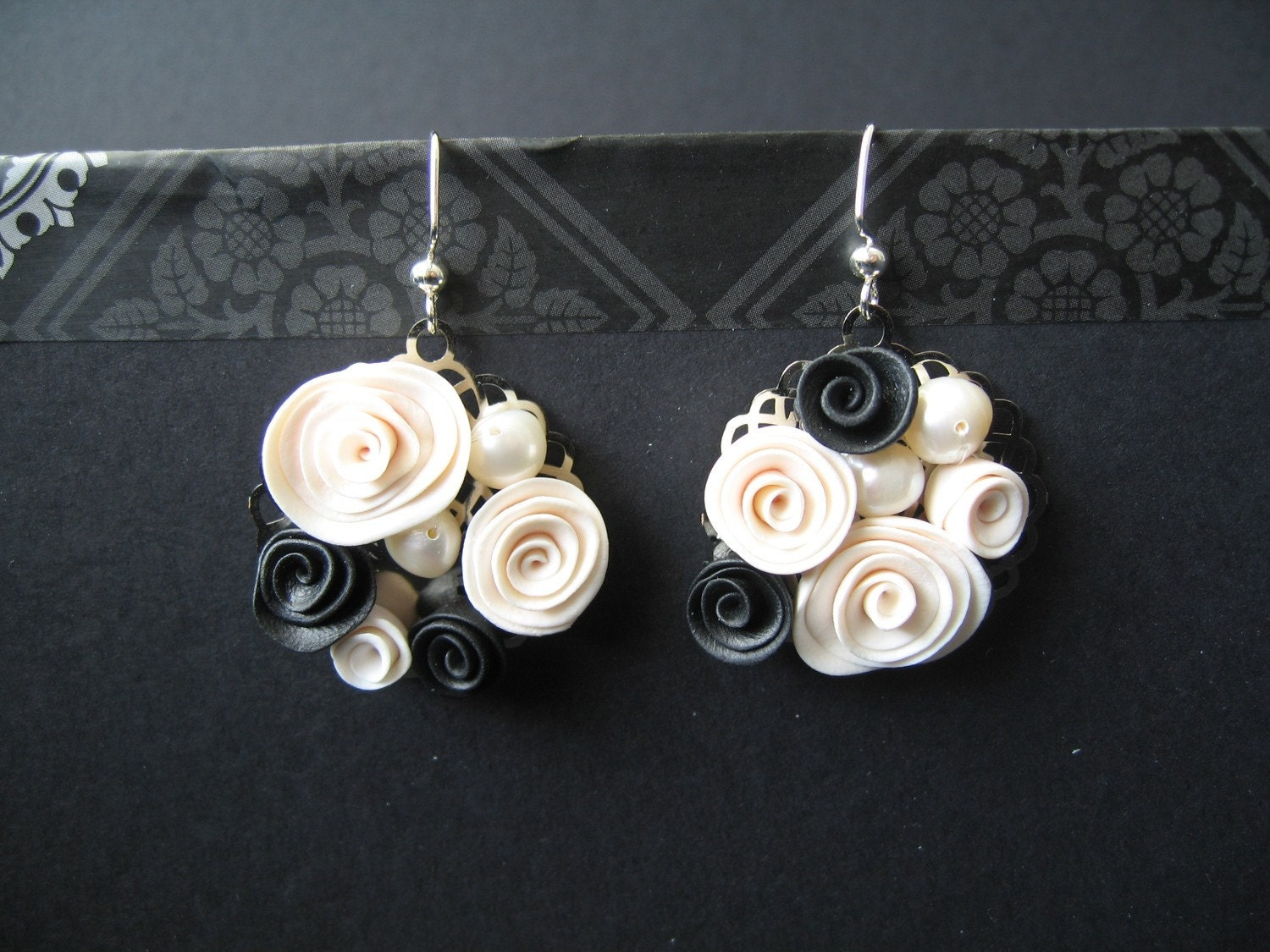Black and White Flower Earring
