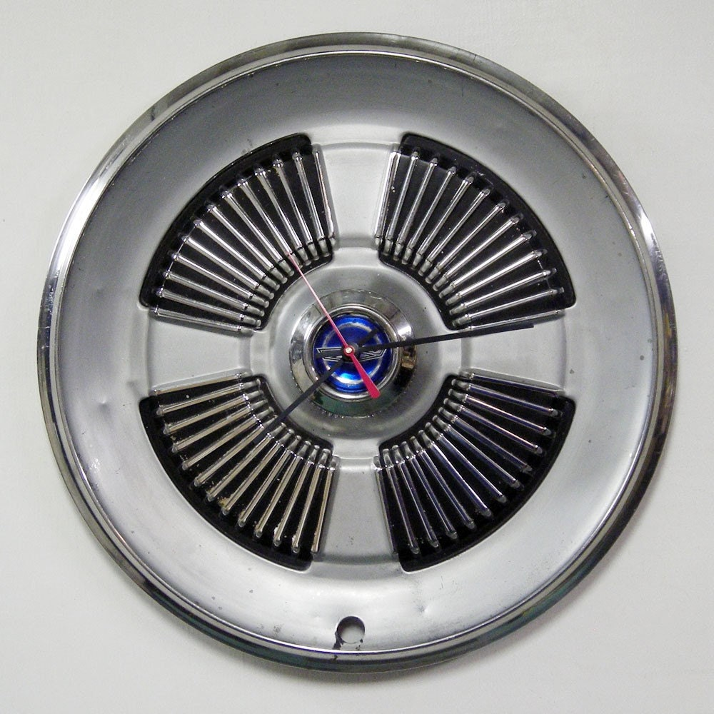 1965 Ford Galaxie / LTD Hubcap