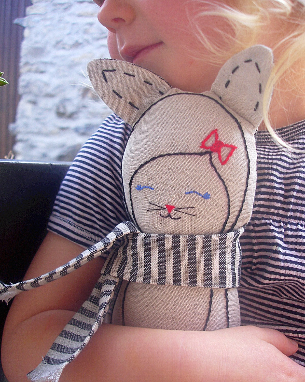 Linen Cat - 'Eva'