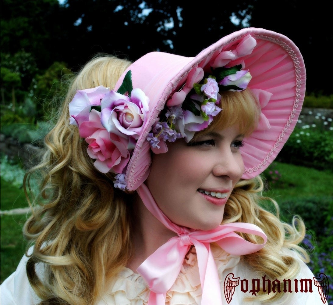 a blog post about gothic Lolita hats