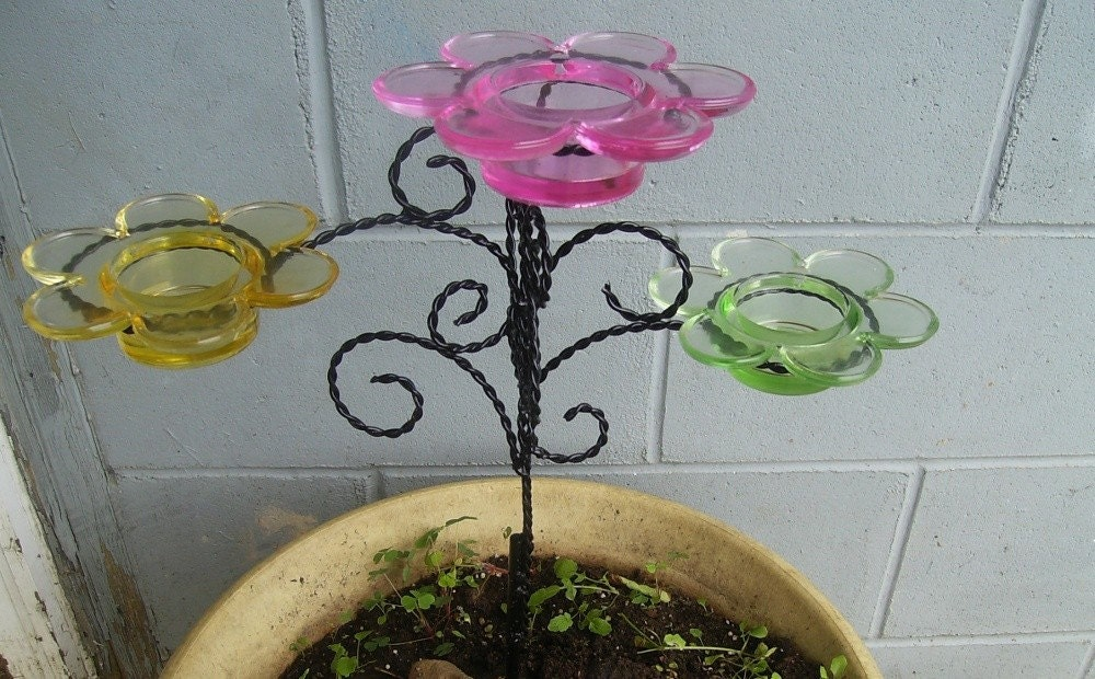 Flower tea light plant stake