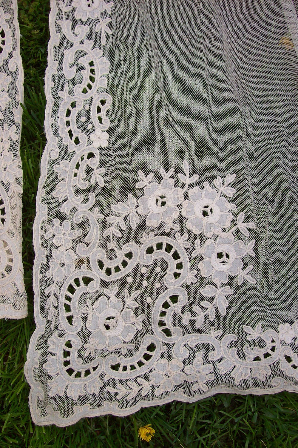 gorgeous antique net lace curtains with floral by rosesdeparis