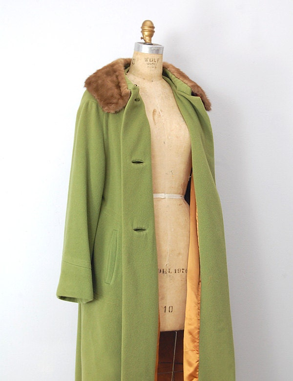 vintage 1960s coat / vintage 60s coat / green vintage coat / faux for collar coat