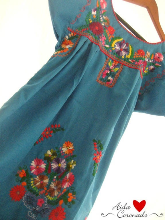 Mexican Vintage embroidered tunic dress Blue Vibes size M or L