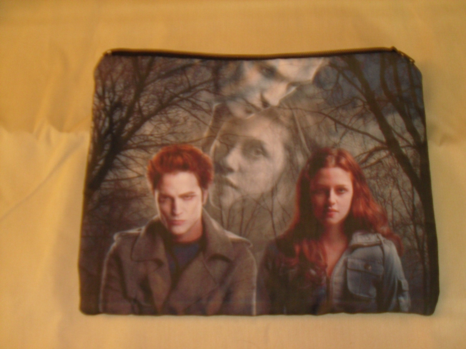 TWILIGHT MAKE UP BAG