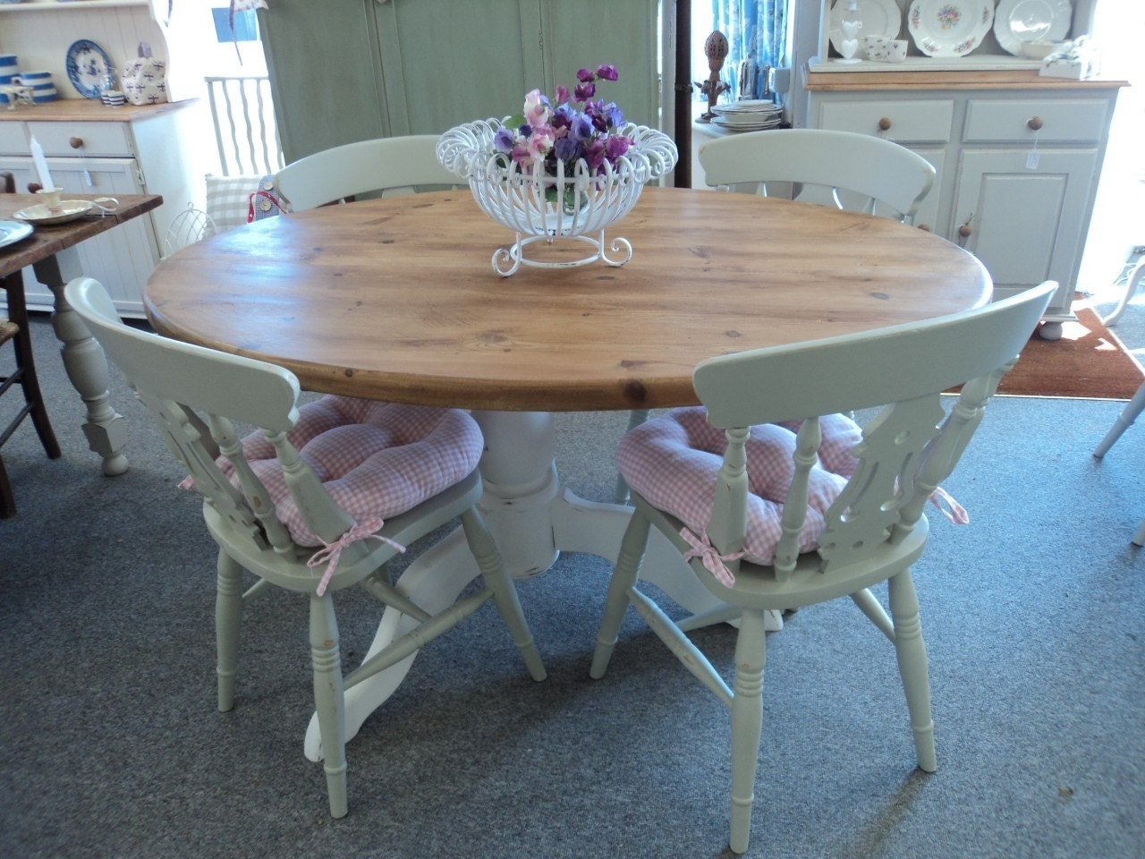 Beautifull Solid Pine Painted Shabby Chic Tip Top Table and 4 Chairs with Seat Pads