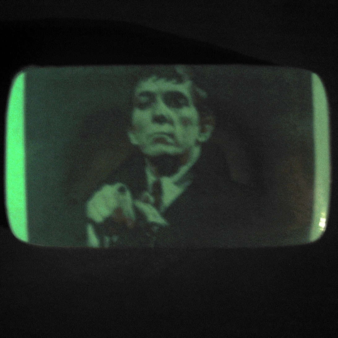 HORRORSHOW Soap - GLOWS in the DARK - DARK SHADOWS - DRAGONS BLOOD Scent