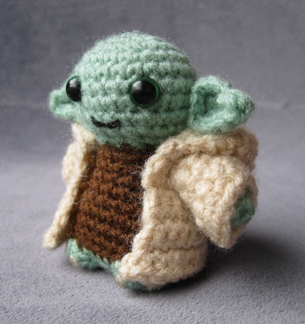 Jedi Grrrl ? PATTERN for Yoda - Star Wars Mini Amigurumi ...