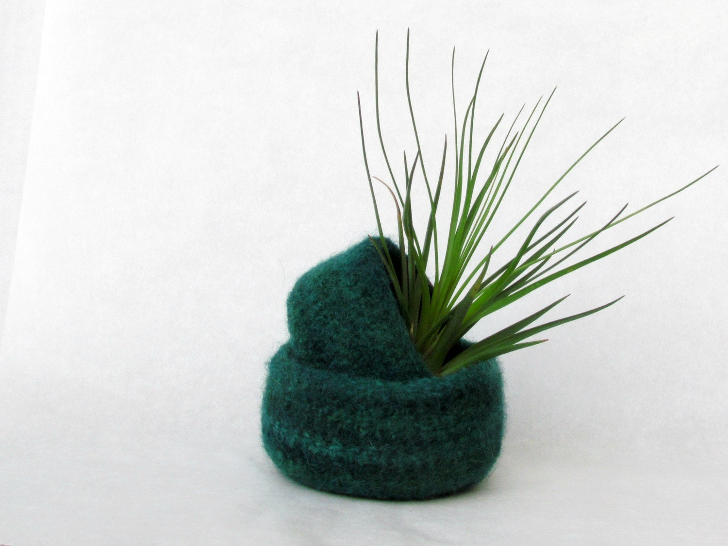 Felted bowl emerald green - Nesting bowls  - Cozy gift Air plant holder ring holder