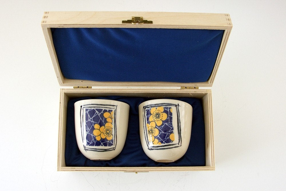 Tea Bowls in gift Box - Perfect gift for festive season office parties.