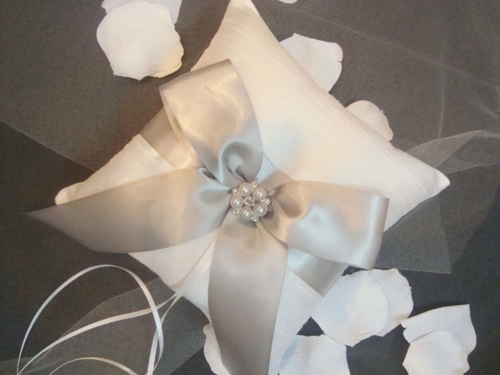 Fabulous Ring Bearer Pillows photo 1