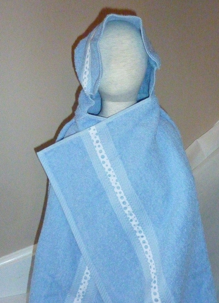 HOODED TOWEL. Light Blue. Polka Dot Ribbon. Sailboat button. - AuntMsCreations