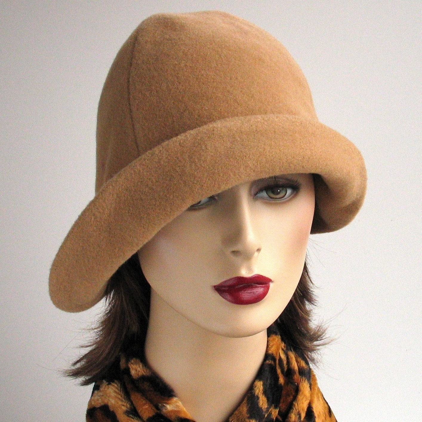Camel cloche hat