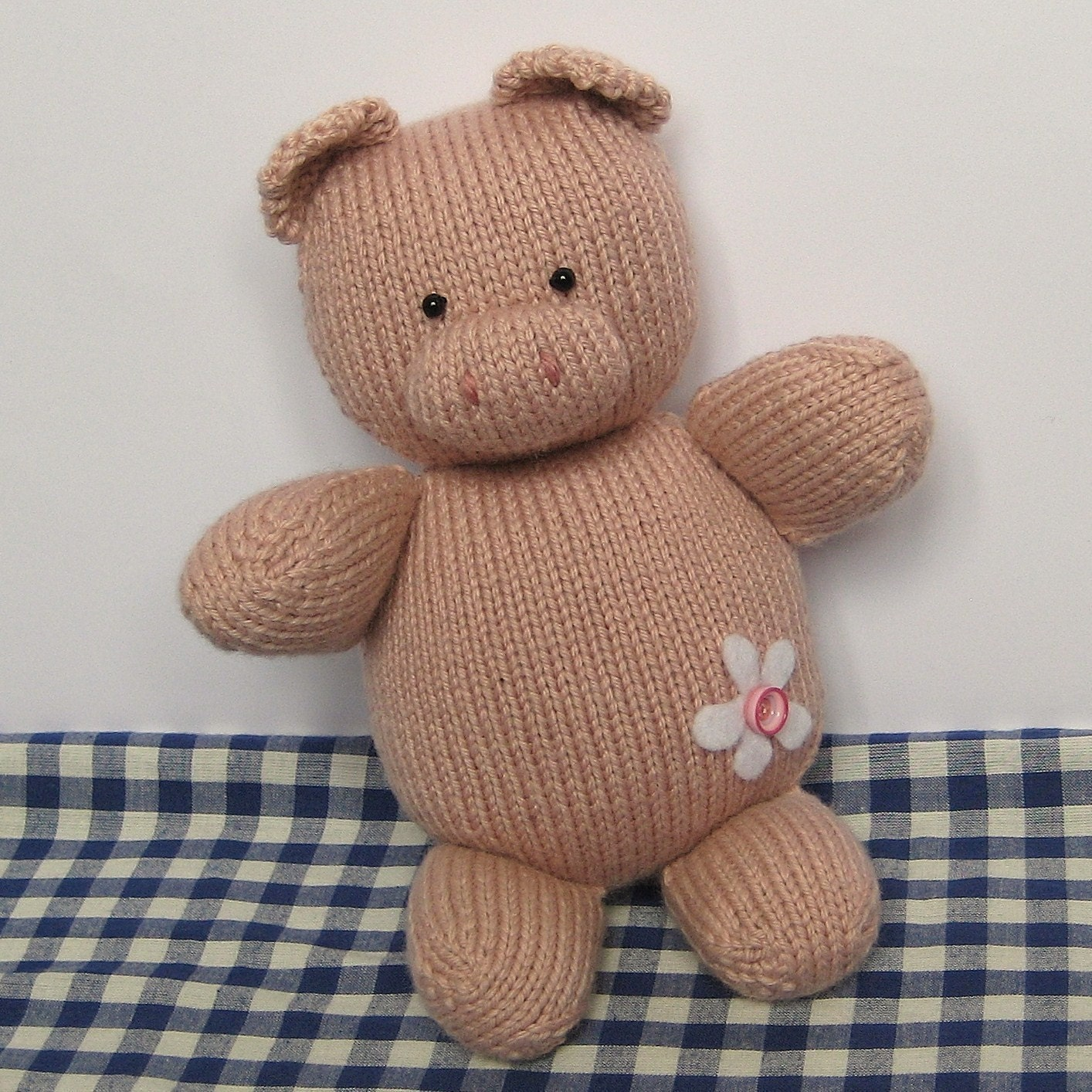 Beginner Knitting Patterns Stuffed Animals : Penny Pig toy animal knitting pattern by fluffandfuzz on Etsy Craftjuice Ha...
