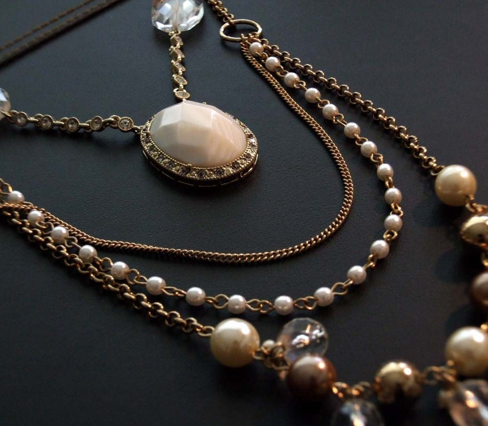 Carrie in the City - one of a kind white and pearl goldtone necklace