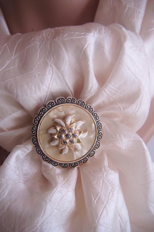 Vintage Enameled Metal Scarf Ring Costume Jewelry