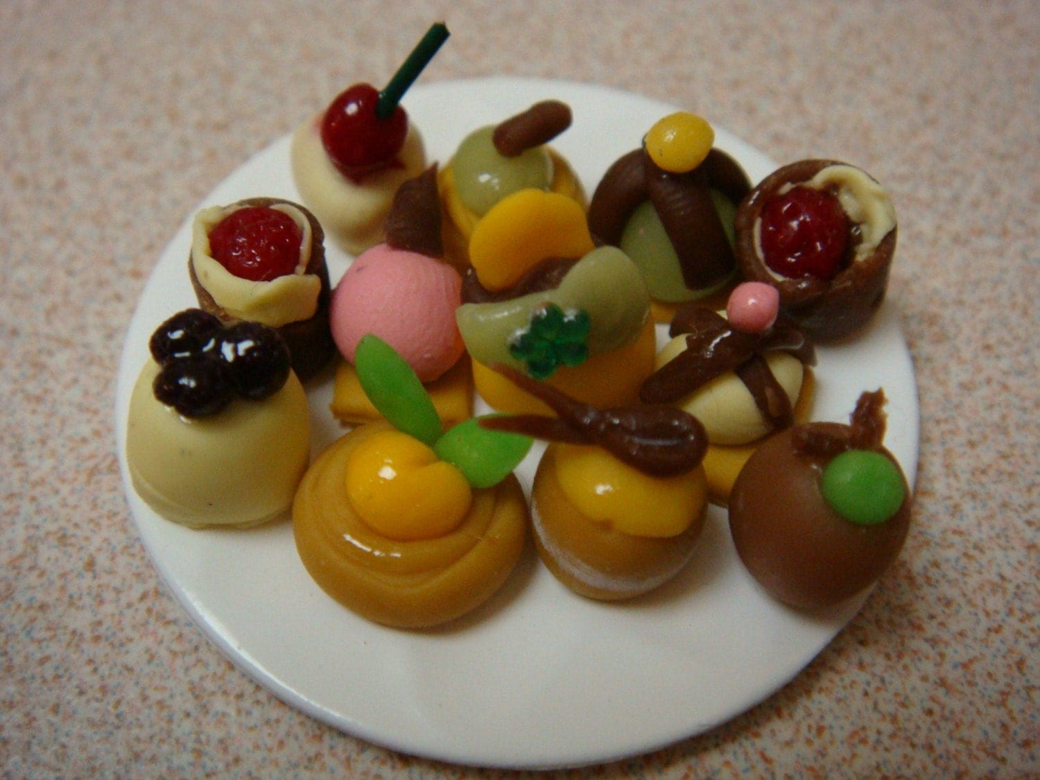 Blythe/Pullip Dollhouse Miniature - Polymer Clay - Assorted Cakes and Tarts (Dozen)