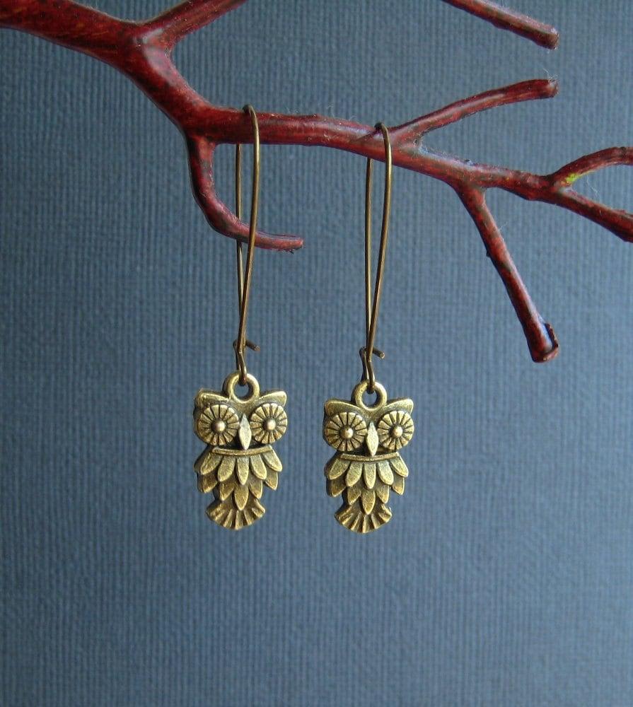 SALE)) little owl antique bronze earrings