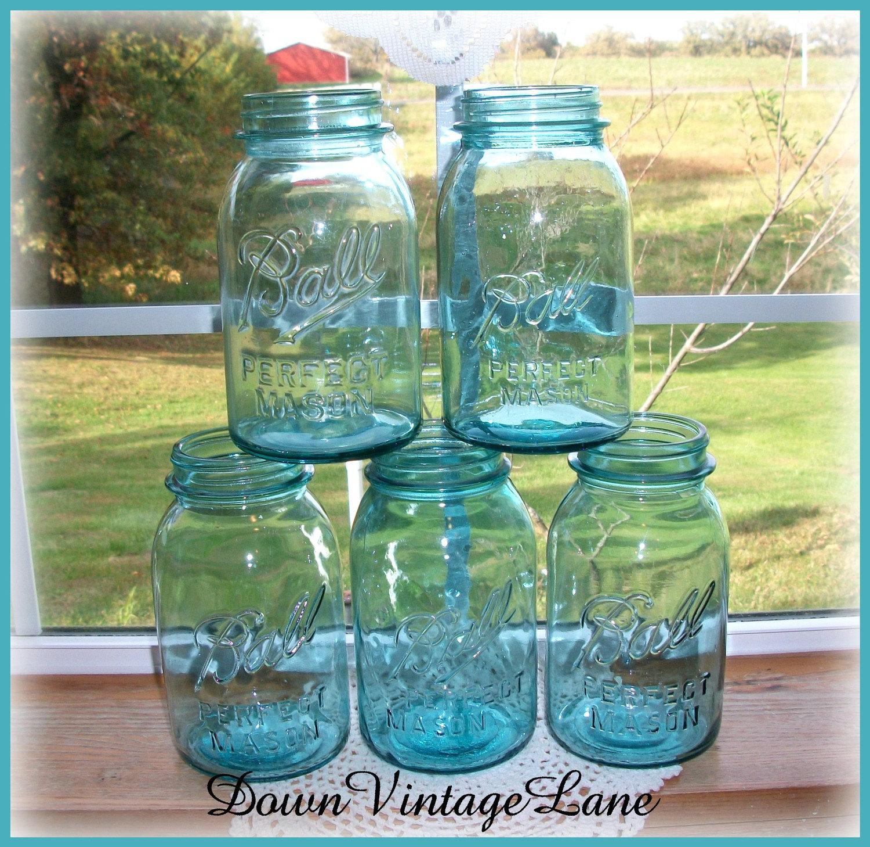 5 blue ball mason jars quart size vintage by downvintagelane. Black Bedroom Furniture Sets. Home Design Ideas