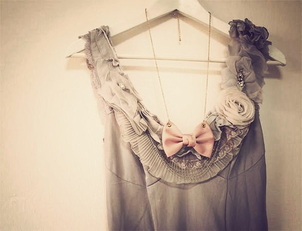 Take a Bow. Vintage fabric ribbon bow tie cute fun long necklace. Pink, white and flower print