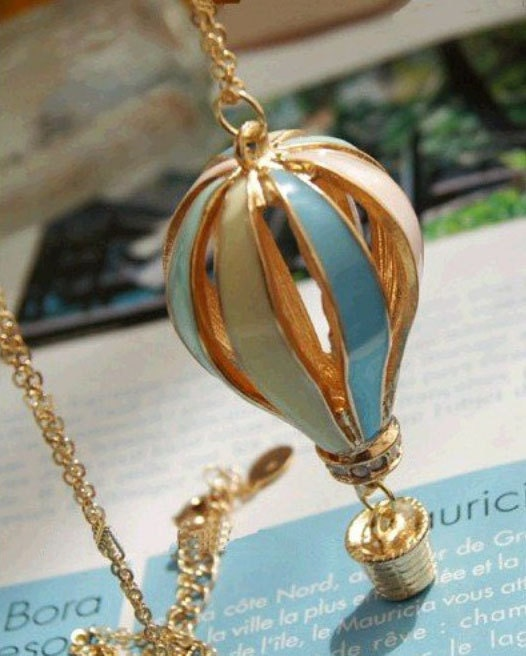 Dainty Air Balloon Necklace