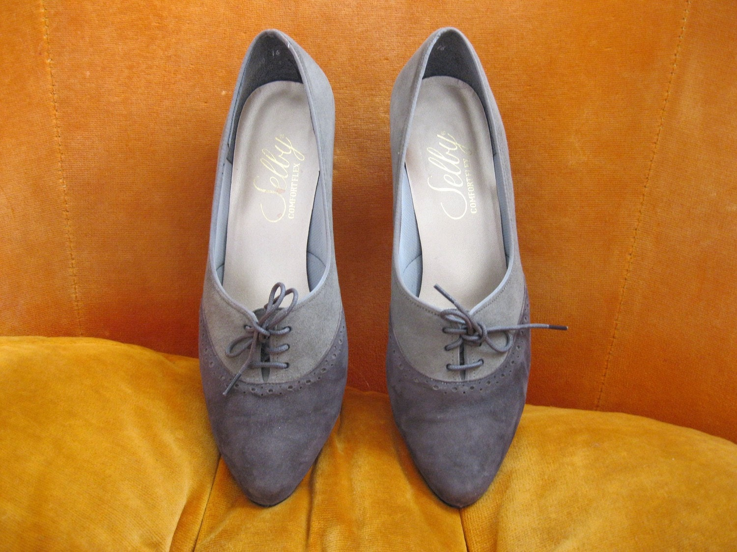 Vintage Women s Gray Selby Oxford Heels / Shoes - Size 9