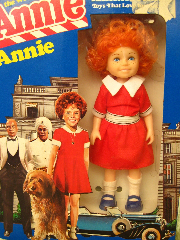 vintage Orphan Annie knickerbocker doll