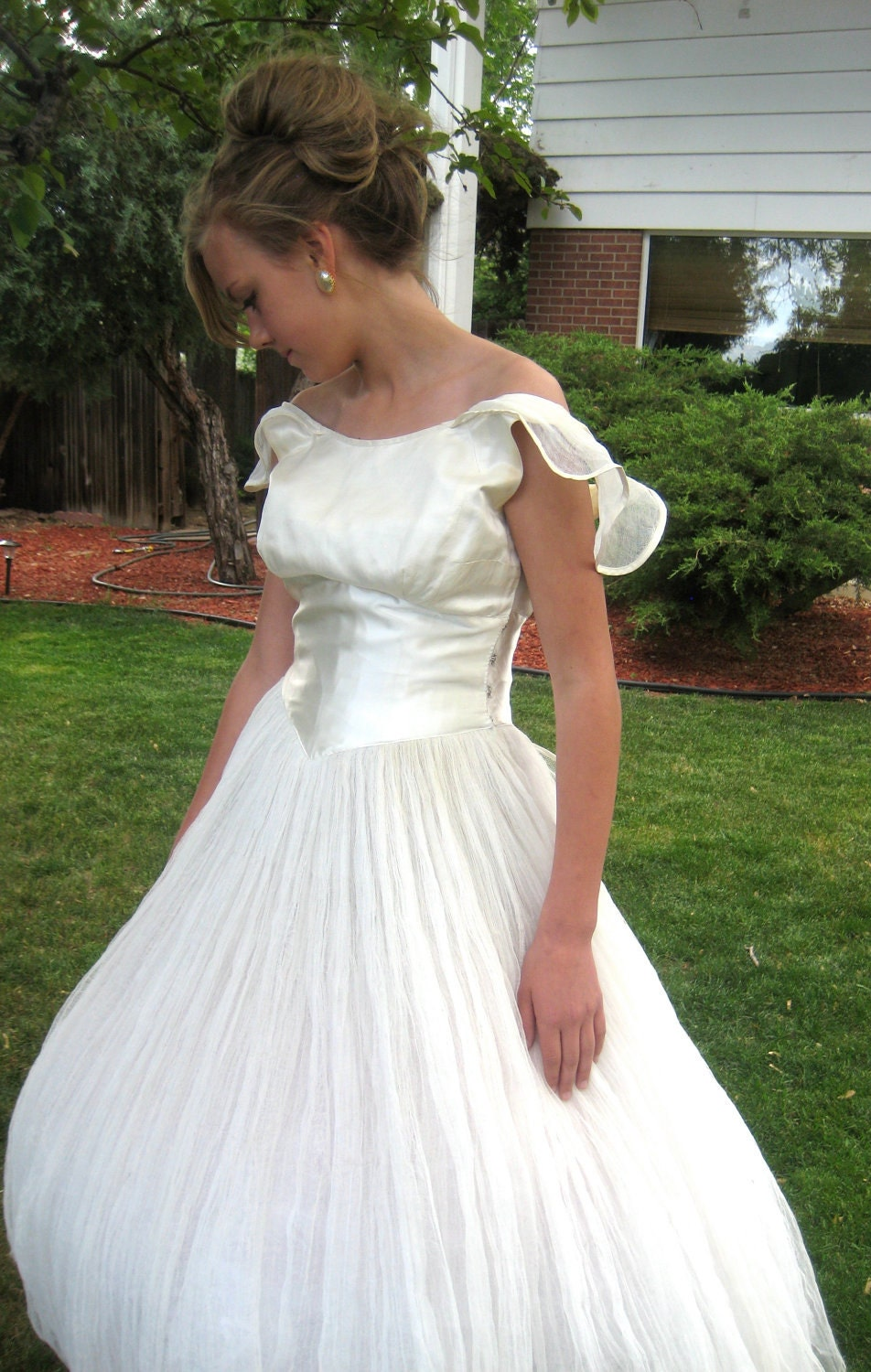 301 moved permanently for Angel wings wedding dress