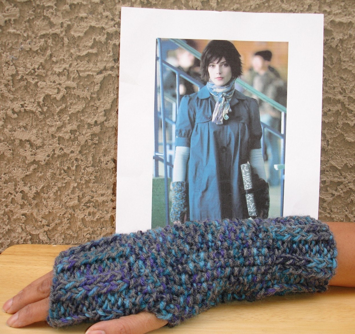 Alice Cullen Fingerless Gloves- Style 2- New Moon -FREE SHIPPING-NOW AVAILABLE