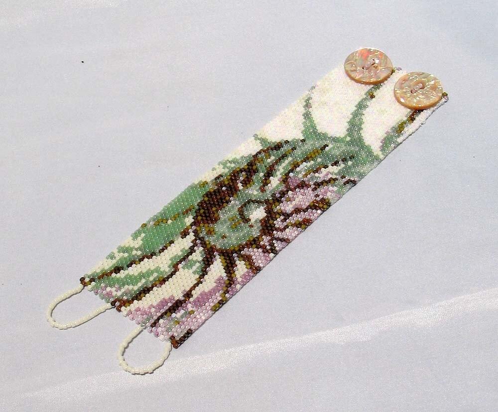 Hannah Rosner cuff bracelet bead pattern peyote stitch Nautilus