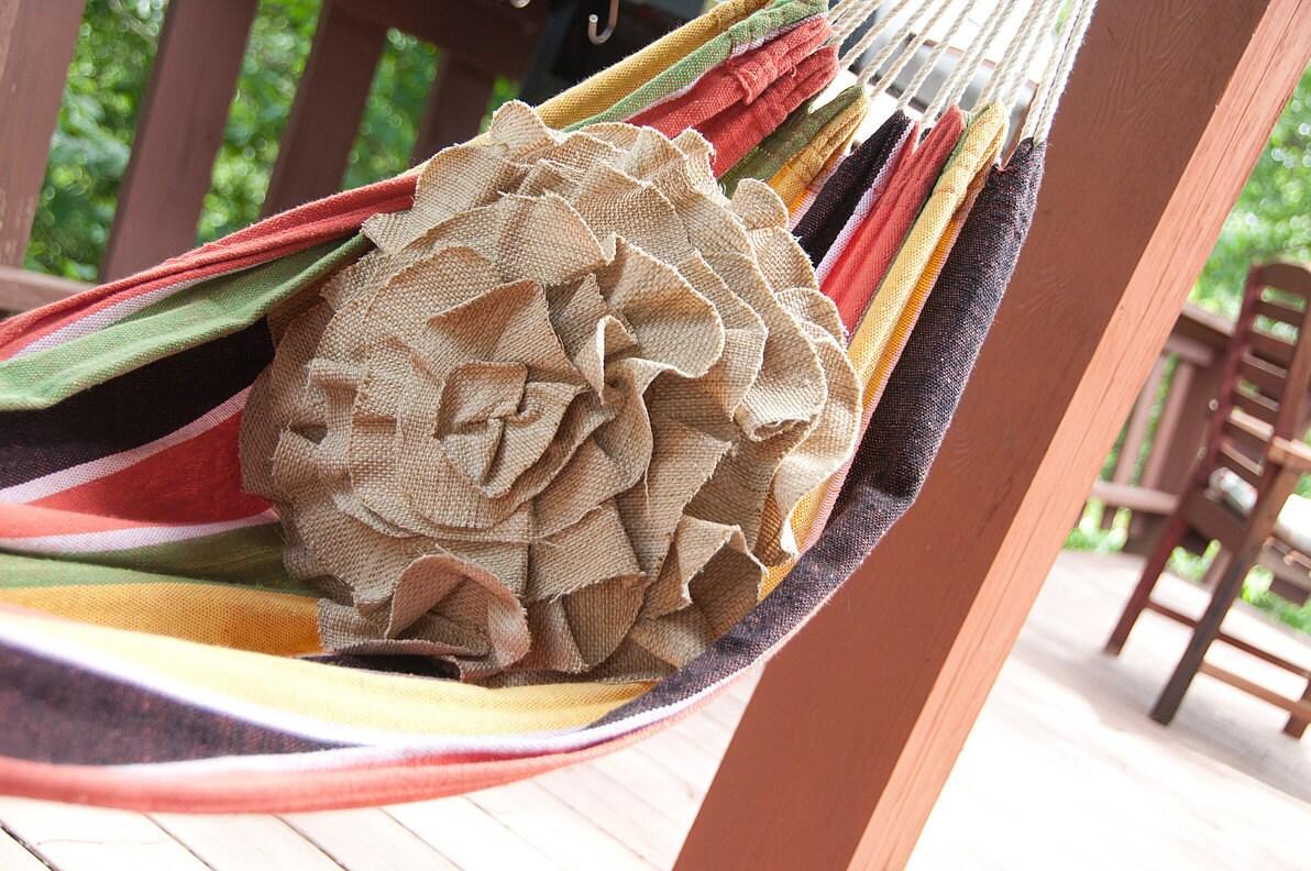 Барлеп Посмотрите Крытый Открытый Ruffle Роуз Подушка - Маленькие