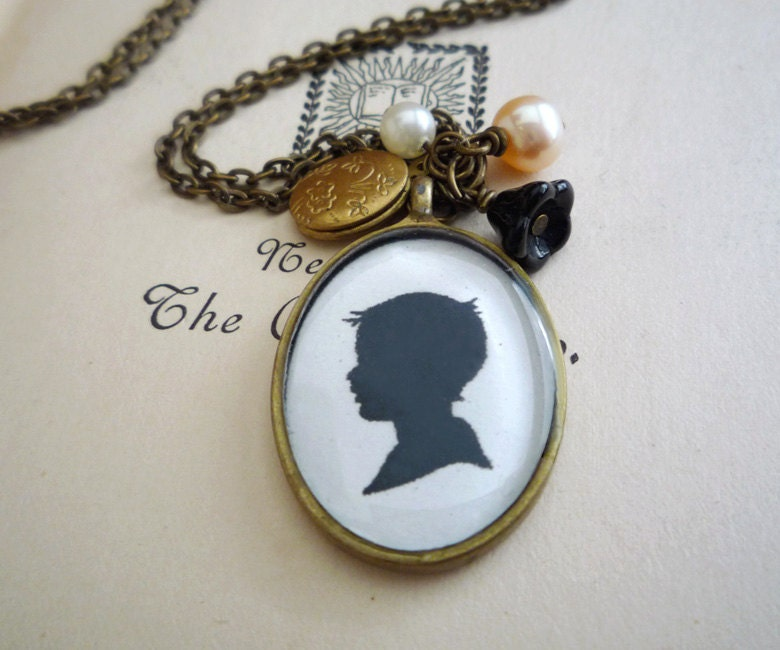Custom Silhouette Necklace - theglassowl