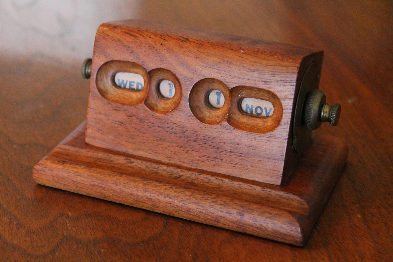 Perpetual Calendar Wood : Perpetual wooden desktop calendars