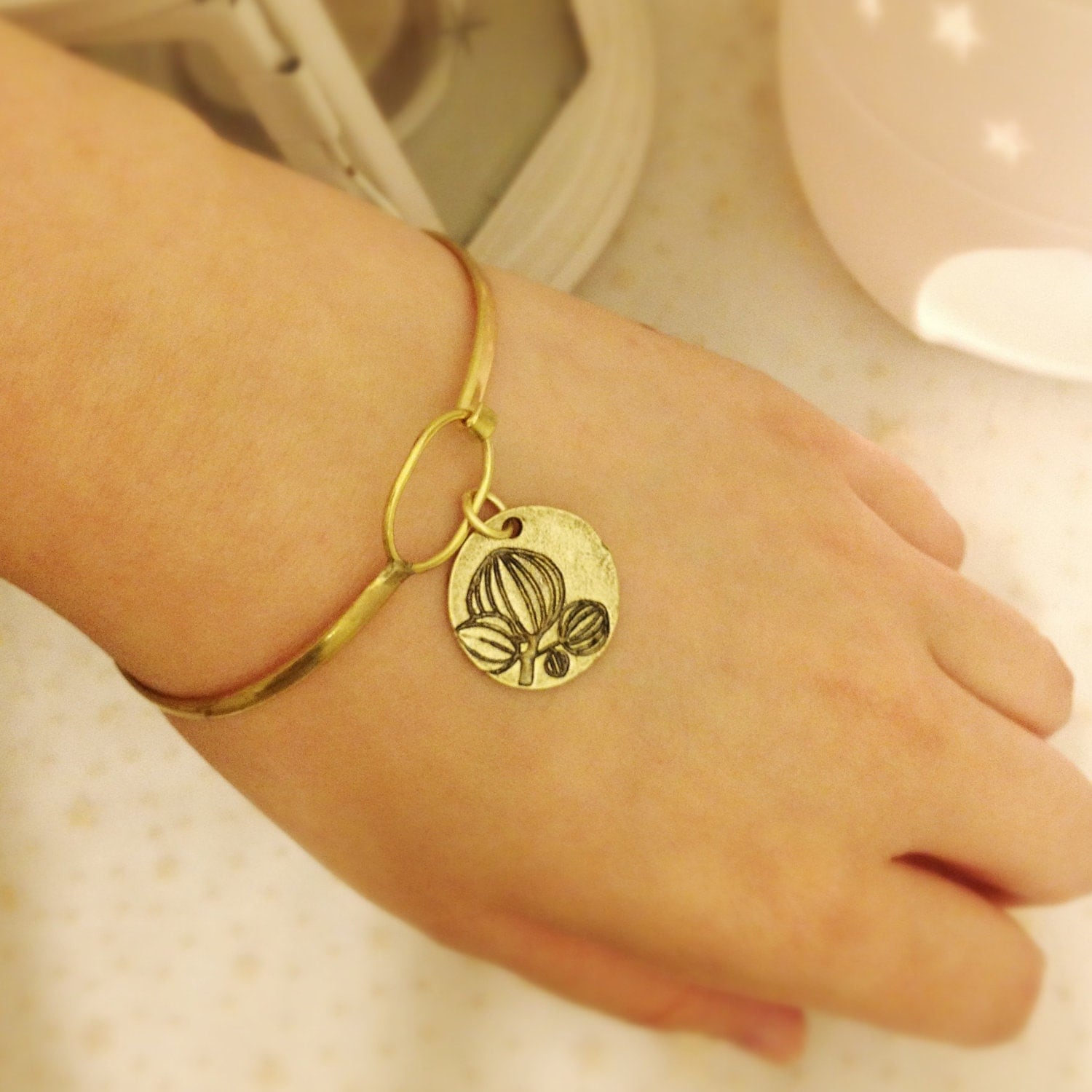 Antique Lotus Bracelet, Vintage Lotus Bangle Bracelet, Gold Lotus Bracelet, Oriental Bracelet