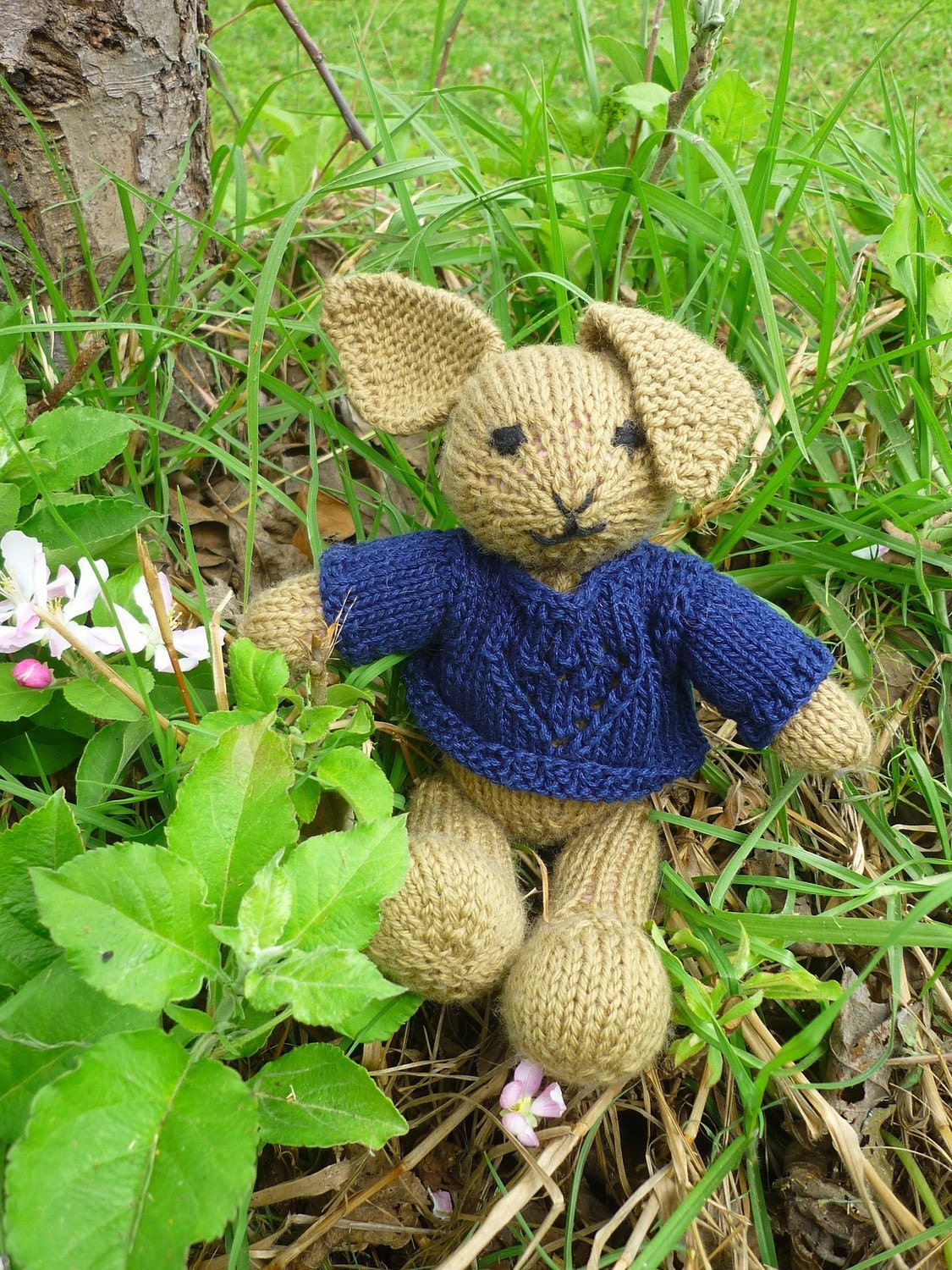 peter rabbit, cute bunny  (100% wool, 30cm)  with blue heart pullover (100 cotton)